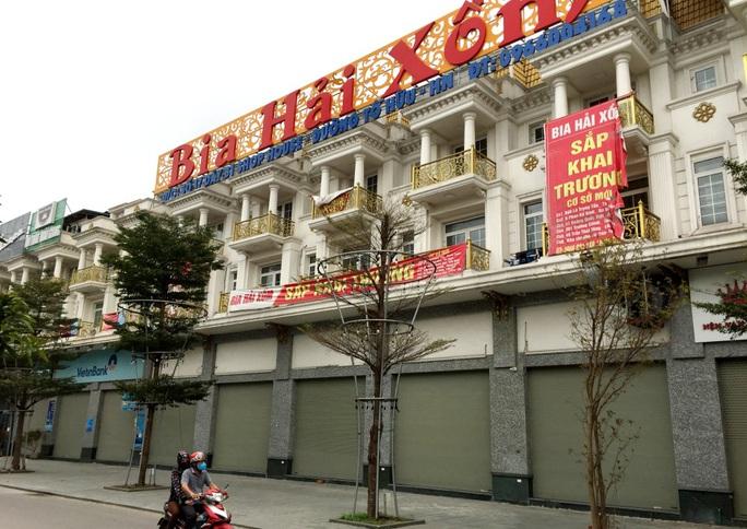 Nhiều quán bia lớn ở Hà Nội đóng cửa vì cú đúp tác động từ dịch Covid-19 và Nghị định 100 - Ảnh 11.