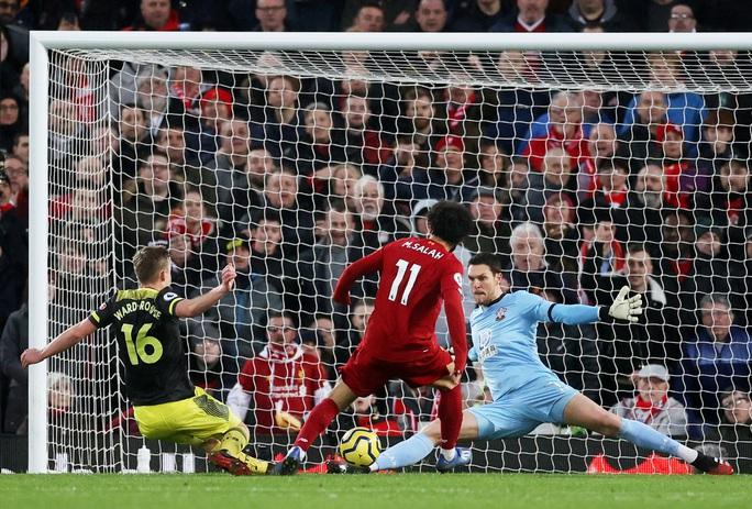 Liverpool quá mạnh, Ngoại hạng Anh khó lường  - Ảnh 1.