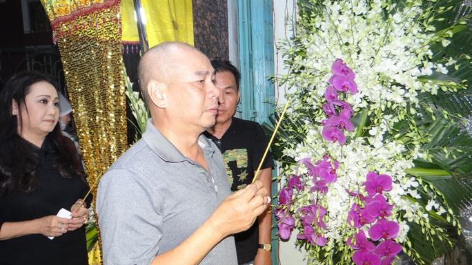 Khán giả ủng hộ 100 triệu đồng an táng NSƯT Chiêu Hùng - Ảnh 3.