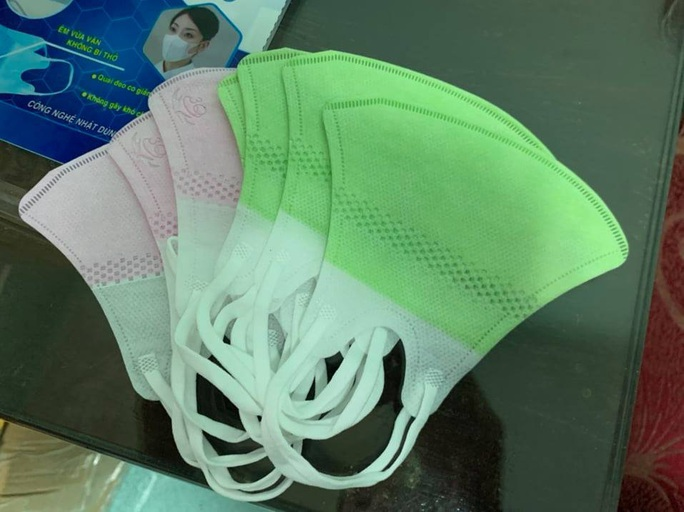 Phát hiện cơ sở buôn bán hàng ngàn khẩu trang cao cấp 3D Mask và nước rửa tay không rõ nguồn gốc - Ảnh 2.