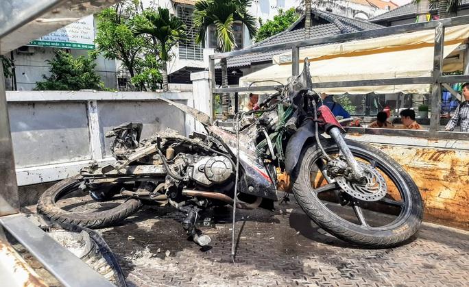 Lái xe Mercedes gây tai nạn kinh hoàng gần sân bay dương tính với ma tuý - Ảnh 4.