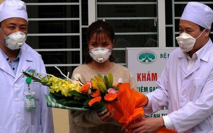 Bệnh nhân dương tính với virus corona được điều trị miễn phí - Ảnh 1.