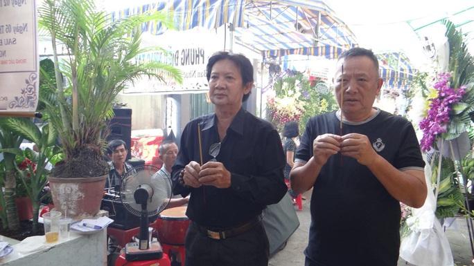 Khán giả ủng hộ 100 triệu đồng an táng NSƯT Chiêu Hùng - Ảnh 20.