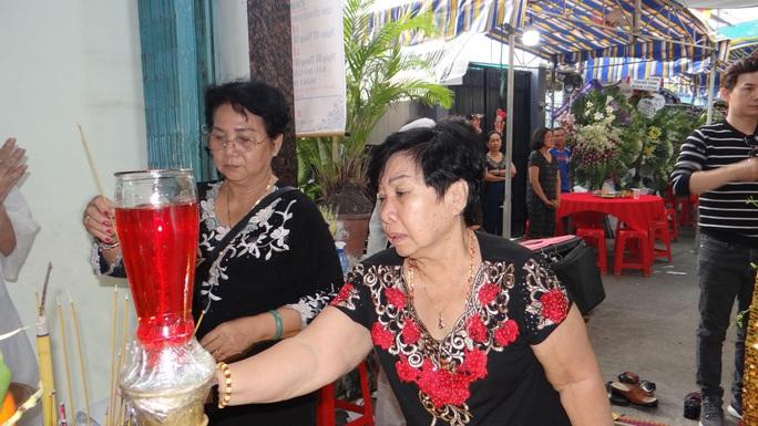 Khán giả ủng hộ 100 triệu đồng an táng NSƯT Chiêu Hùng - Ảnh 18.