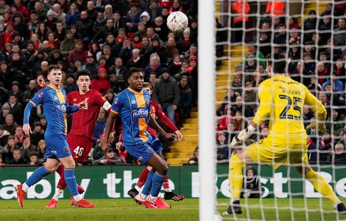 Đá phản nghiệt ngã, Shrewsbury mất vé FA Cup trước Liverpool - Ảnh 3.