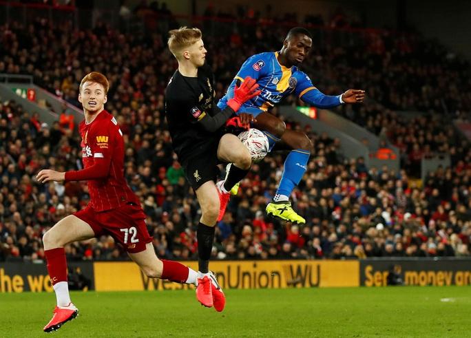 Đá phản nghiệt ngã, Shrewsbury mất vé FA Cup trước Liverpool - Ảnh 2.