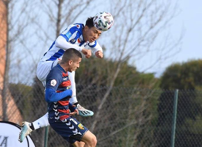 HLV Heerenveen tiếp tục giúp Đoàn Văn Hậu tỏa sáng trong trận đấu cho đội dự bị - Ảnh 1.