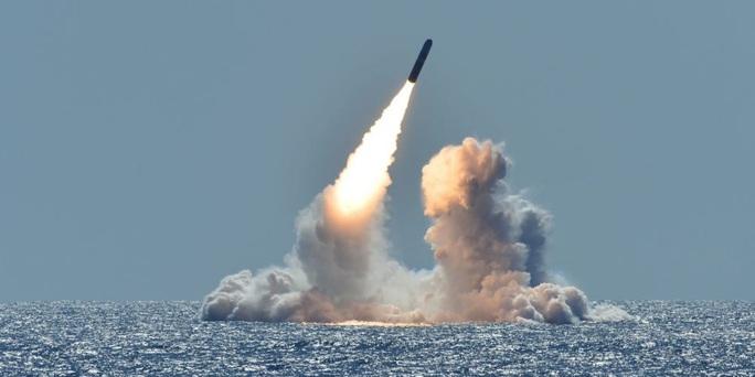 Mỹ triển khai vũ khí hạt nhân đối phó Nga - Ảnh 1.