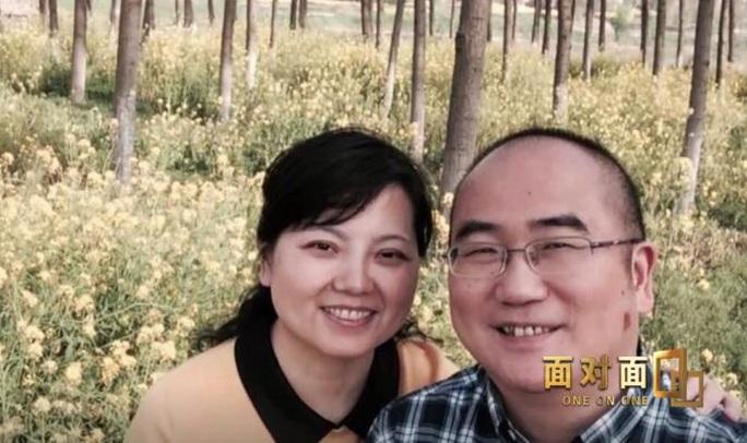 Mắc bệnh sắp liệt, bác sĩ viện trưởng tả xung hữu đột giữa tâm dịch Vũ Hán - Ảnh 4.