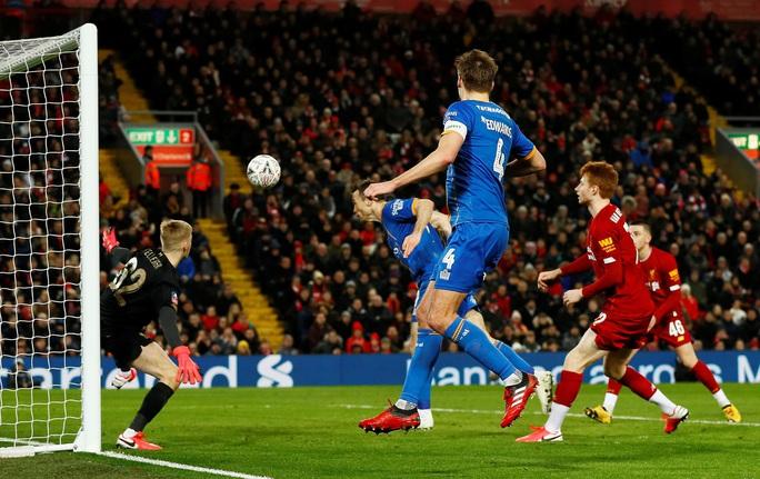 Đá phản nghiệt ngã, Shrewsbury mất vé FA Cup trước Liverpool - Ảnh 4.