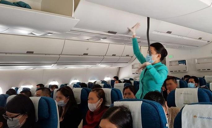 Vietnam Airlines tăng nhiệt độ khoang hành khách máy bay lên 26 độ C để phòng chống virus corona - Ảnh 1.