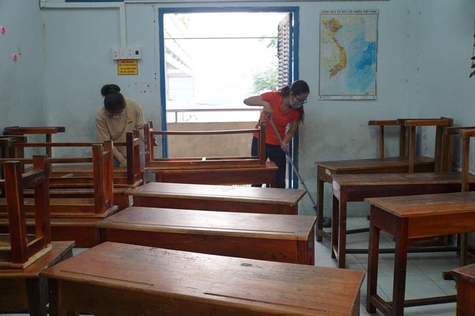 Học sinh nghỉ học đến 16-2: Ngăn giữ trẻ chui - Ảnh 1.