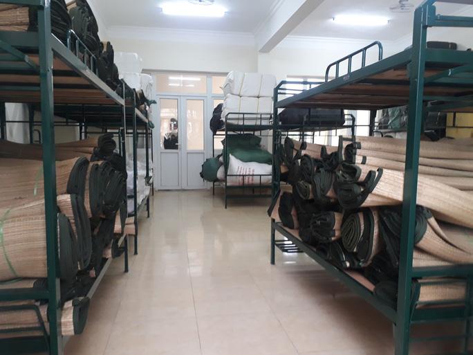Quân đội tiếp nhận, cách ly giám sát sức khỏe 577 công dân từ vùng dịch về nước - Ảnh 2.