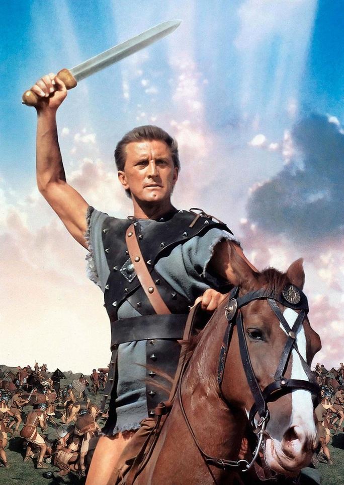 Sao phim Spartacus qua đời ở tuổi 103 - Ảnh 2.