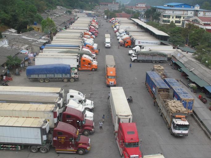 Nông sản ùn tắc ở cửa khẩu Tân Thanh dự kiến thông quan ngày 10-2 - Ảnh 1.