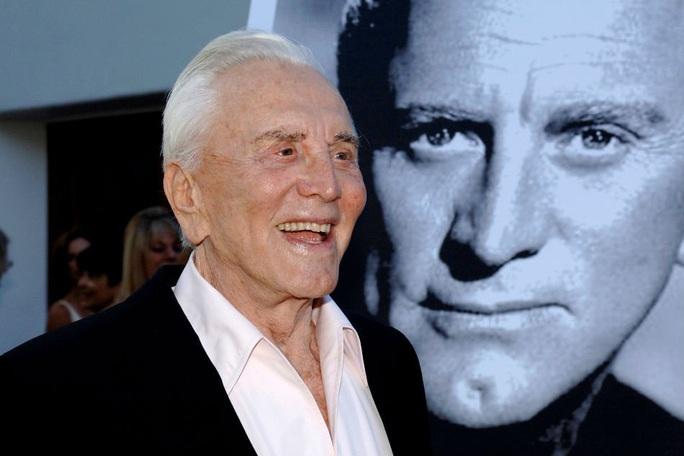 Sao phim Spartacus qua đời ở tuổi 103 - Ảnh 1.