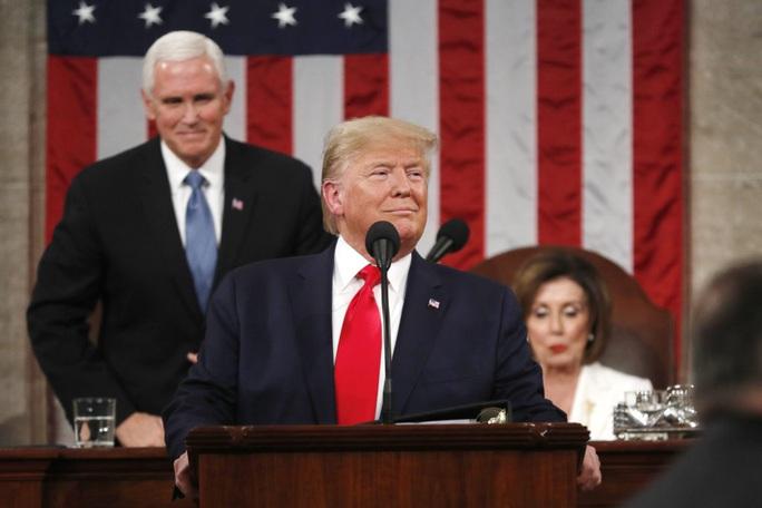 Tổng thống Donald Trump được tha bổng trong phiên tòa luận tội - Ảnh 1.