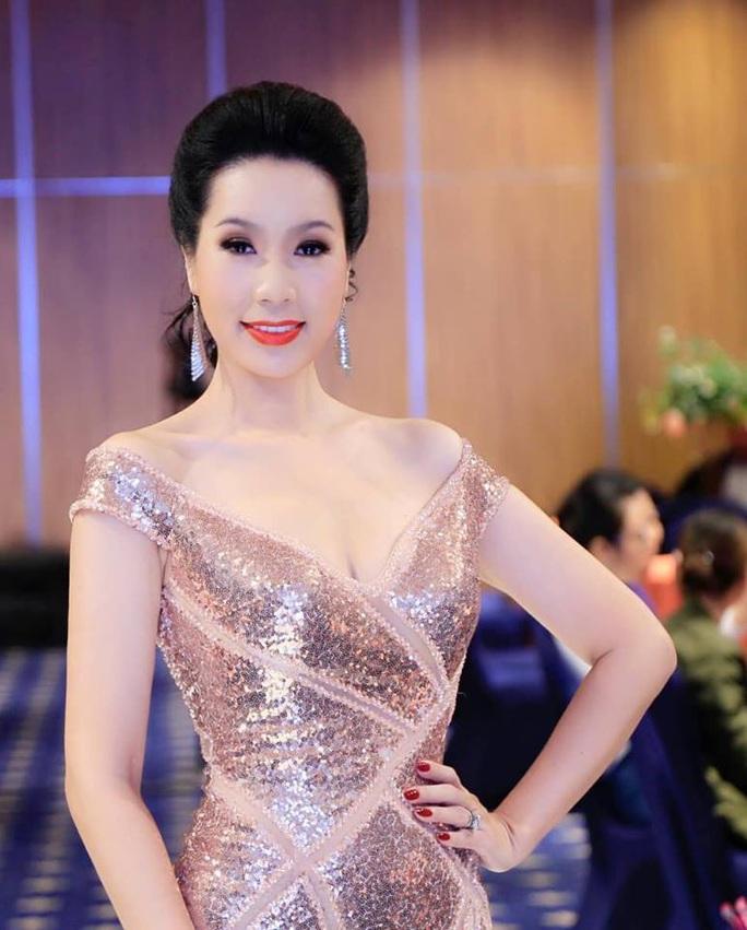 Showbiz Việt đìu hiu vì virus corona - Ảnh 3.
