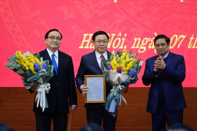 Bộ Chính trị phân công Phó Thủ tướng Vương Đình Huệ làm Bí thư Thành ủy Hà Nội - Ảnh 3.