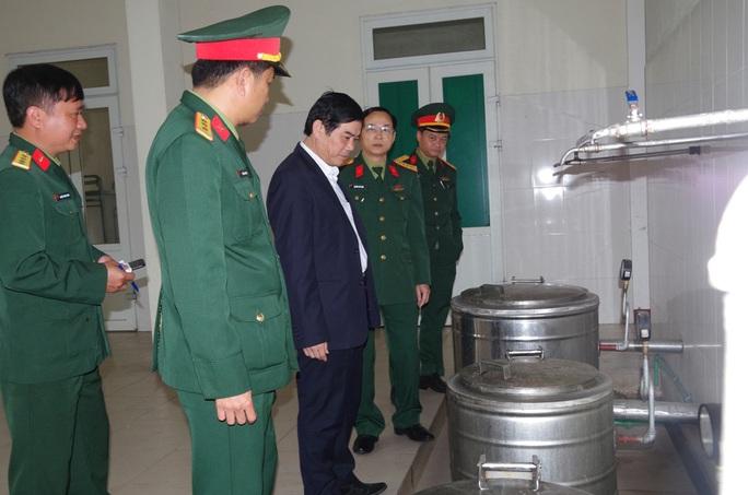 Cận cảnh nơi tiếp nhận 300 công dân trở về từ Trung Quốc tại Hà Tĩnh - Ảnh 6.