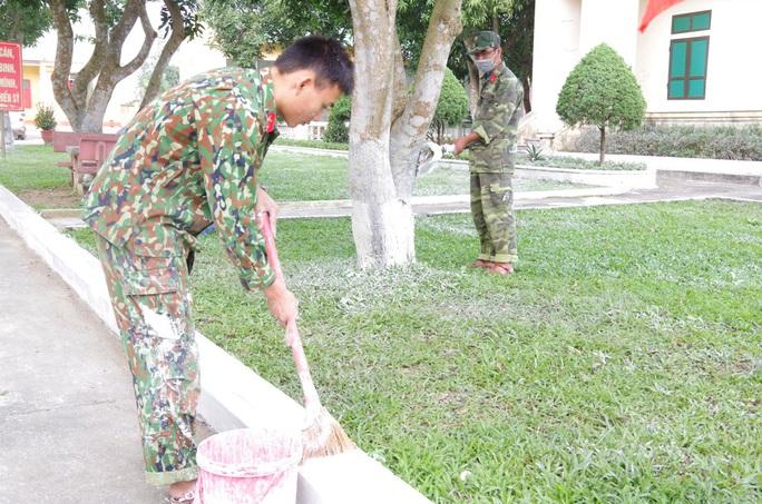 Cận cảnh nơi tiếp nhận 300 công dân trở về từ Trung Quốc tại Hà Tĩnh - Ảnh 10.