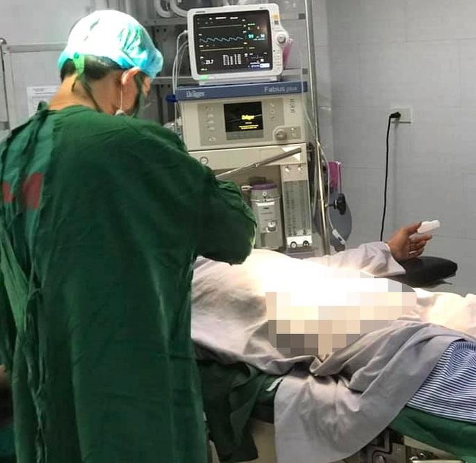 """""""Tự sướng"""", nam thanh niên nhập viện cấp cứu vì bị gãy dương vật - Ảnh 1."""