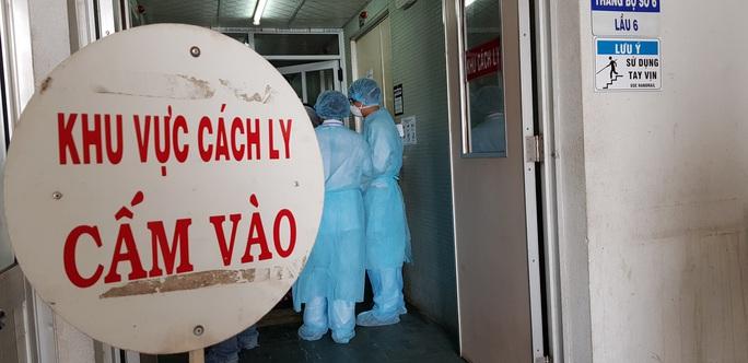 Giám đốc Trung tâm Kiểm soát bệnh tật TP HCM: Khẩn cấp tìm 67 hành khách lưu trú ở Trung Quốc vừa nhập cảnh  - Ảnh 1.
