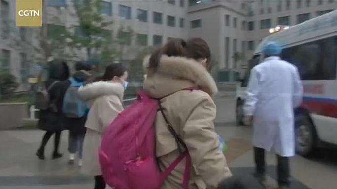 5 trẻ em tại ổ dịch Vũ Hán hồi phục sau khi nhiễm virus corona mới - Ảnh 1.