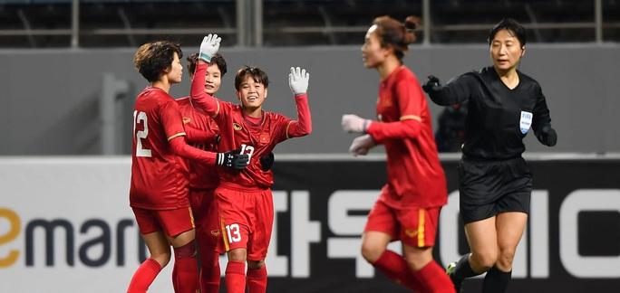 Tuyển nữ Việt Nam - tuyển nữ Hàn Quốc: Thi đấu để rèn luyện - Ảnh 1.