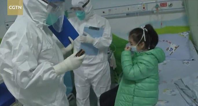 5 trẻ em tại ổ dịch Vũ Hán hồi phục sau khi nhiễm virus corona mới - Ảnh 2.