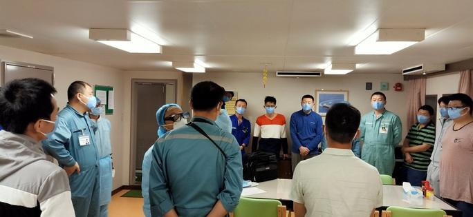 61 du khách tàu Diamond Princess bị nhiễm virus nCoV không xuống cảng biển ở Huế - Ảnh 2.