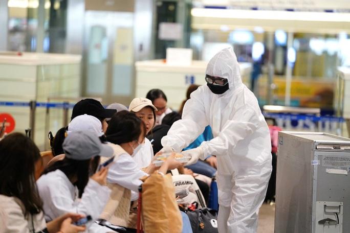 Nội Bài, Tân Sơn Nhất dừng đón chuyến bay từ Hàn Quốc - Ảnh 6.
