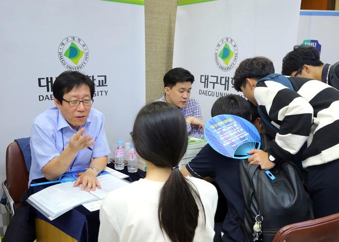 Lao động Việt Nam không nên rời Hàn Quốc nếu không cần thiết - Ảnh 1.