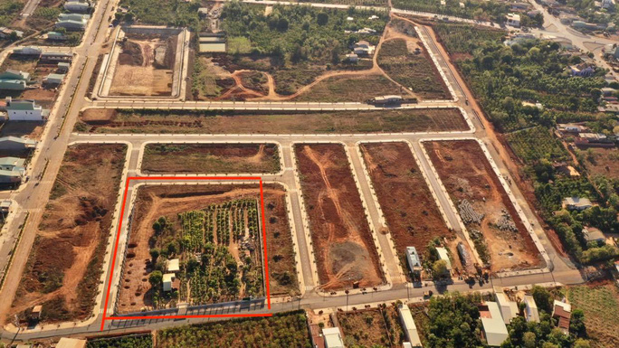 Vụ bỏ ngoài 7.000m2 đất khỏi quy hoạch: Chưa thu hồi, nhận đền bù vẫn bị lấy đất phân lô bán - Ảnh 3.