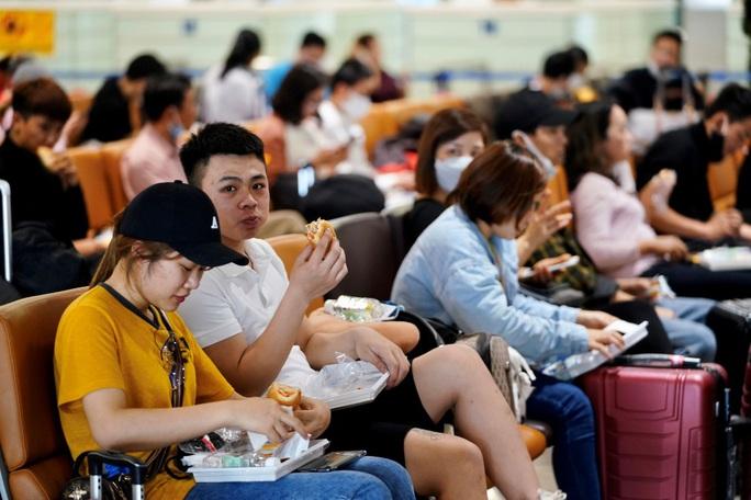 Nội Bài, Tân Sơn Nhất dừng đón chuyến bay từ Hàn Quốc - Ảnh 11.
