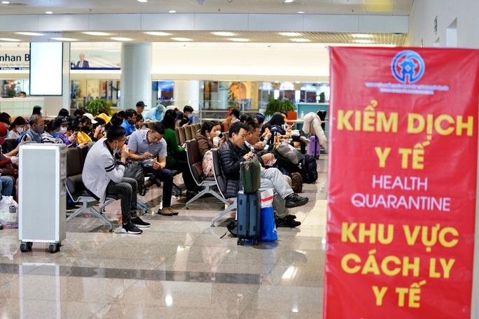 Nội Bài, Tân Sơn Nhất dừng đón chuyến bay từ Hàn Quốc - Ảnh 2.