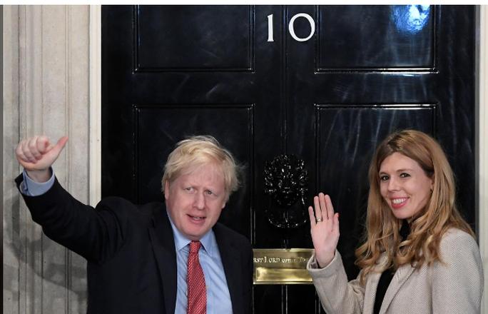 Thủ tướng Anh và đệ nhất bạn gái sắp lên chức bố mẹ - Ảnh 1.