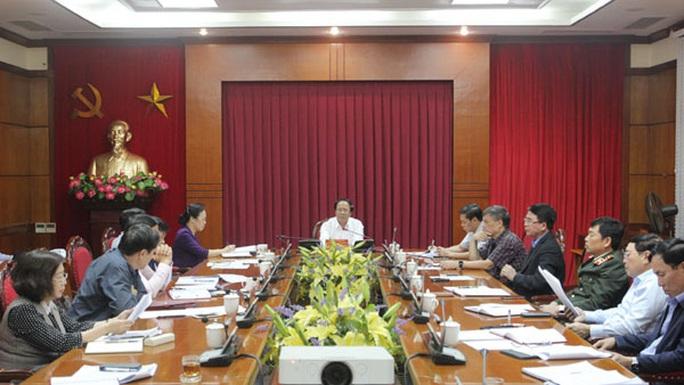 Hải Phòng tạm dừng chi 269 tỉ đồng tặng quà người dân - Ảnh 1.
