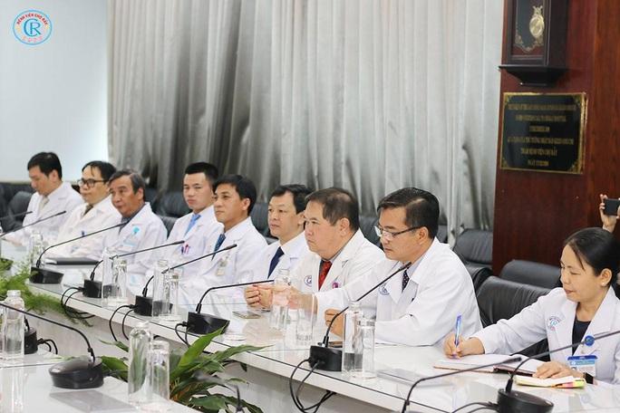 Tổng Lãnh sự Trung Quốc tri ân Bệnh viện Chợ Rẫy cứu chữa 2 bệnh nhân Covid-19 - Ảnh 2.