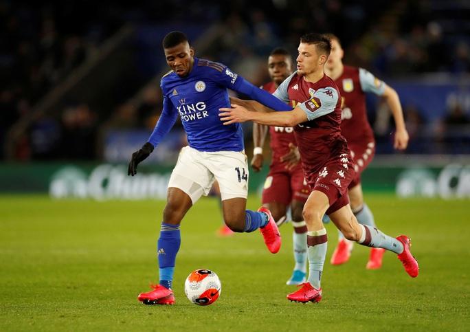 Sao 33 tuổi rực sáng, Leicester mở tiệc bàn thắng ở King Power - Ảnh 1.