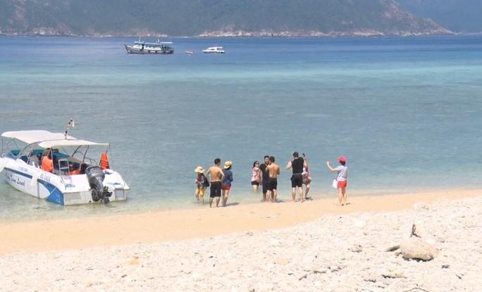 Tạm ngừng tham quan di tích, du lịch sinh thái tại Côn Đảo - Ảnh 1.