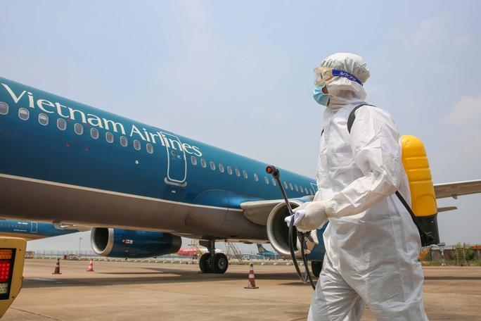 Phi hành đoàn chuyến bay VN54 âm tính với SARS-CoV-2 - Ảnh 1.