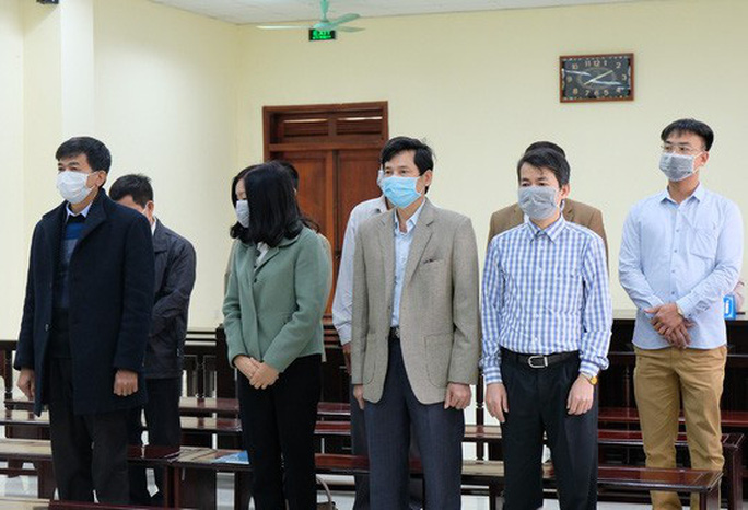 Xét xử 5 cựu thanh tra tỉnh Thanh Hóa: Doanh nghiệp biếu tiền thì nhận thôi (?!) - Ảnh 1.