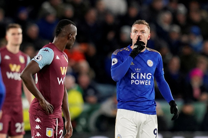 Sao 33 tuổi rực sáng, Leicester mở tiệc bàn thắng ở King Power - Ảnh 6.