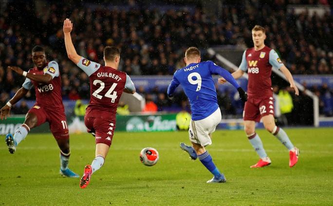 Sao 33 tuổi rực sáng, Leicester mở tiệc bàn thắng ở King Power - Ảnh 7.