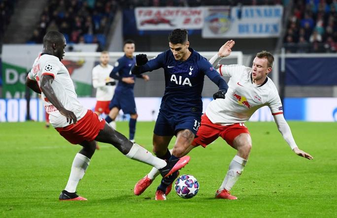 Thua tan tác ở Leipzig, Tottenham thành cựu á quân Champions League - Ảnh 1.