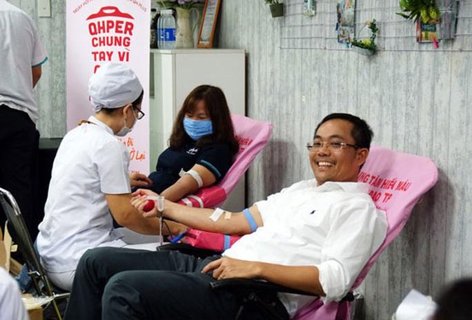 Người lao động hiến máu tình nguyện - Ảnh 1.