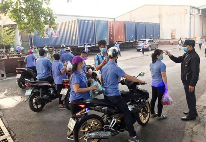 Đồng Nai: Hơn 8.400 công nhân tạm thời nghỉ việc - Ảnh 1.