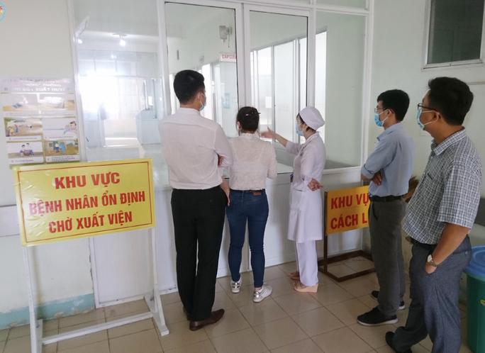 Bệnh viện Chợ Rẫy lên đường trong đêm, chi viện cho Bình Thuận - Ảnh 7.