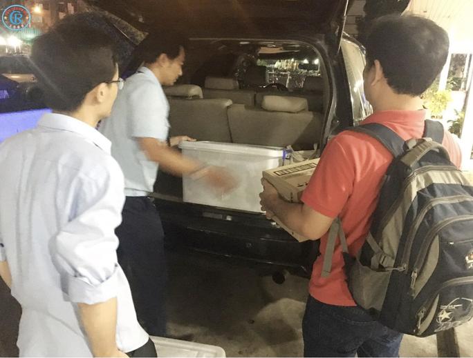 Bệnh viện Chợ Rẫy lên đường trong đêm, chi viện cho Bình Thuận - Ảnh 1.